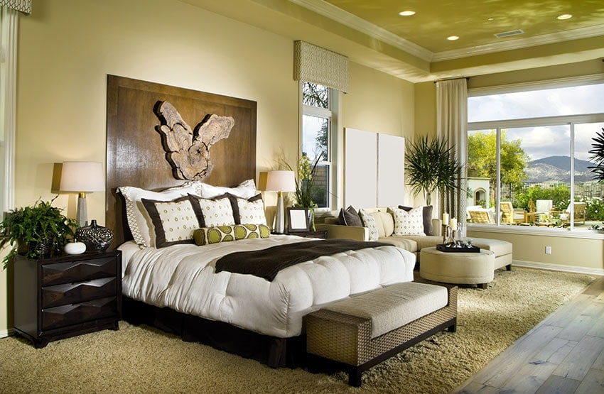 Feng Shui Love Tips - free some bedroom space