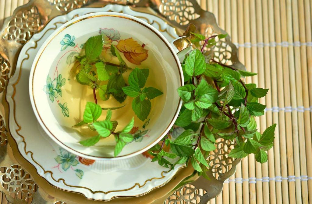 herbal tea, herbal tea brew, full moon manifestation, full moon ritual ideas
