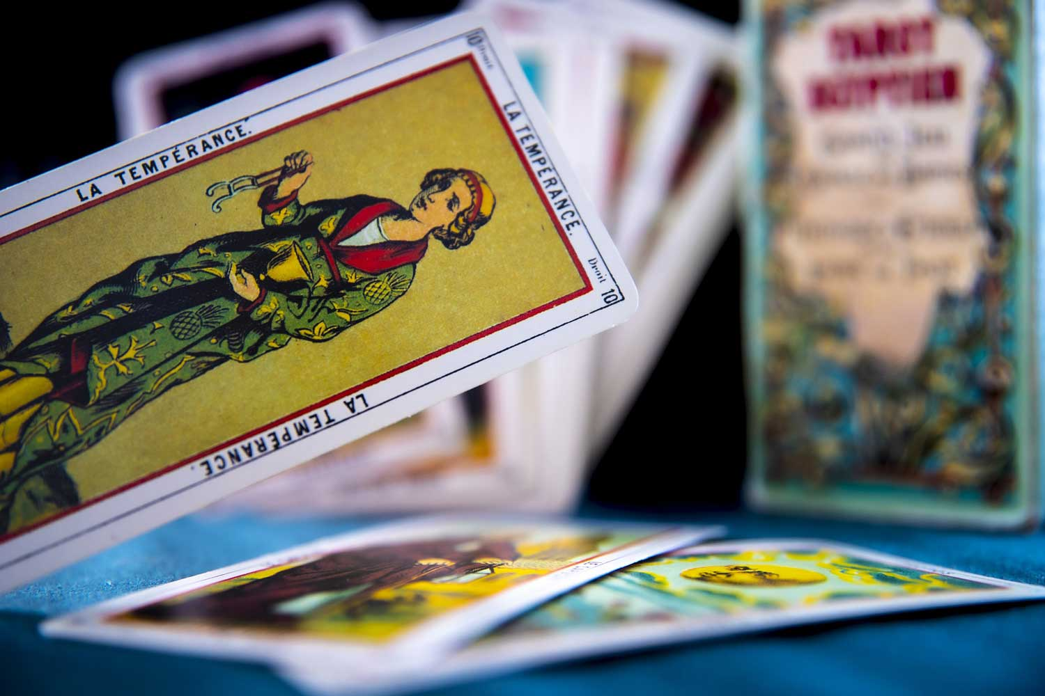 how many cards are in a tarot deck, how many cards in a tarot deck