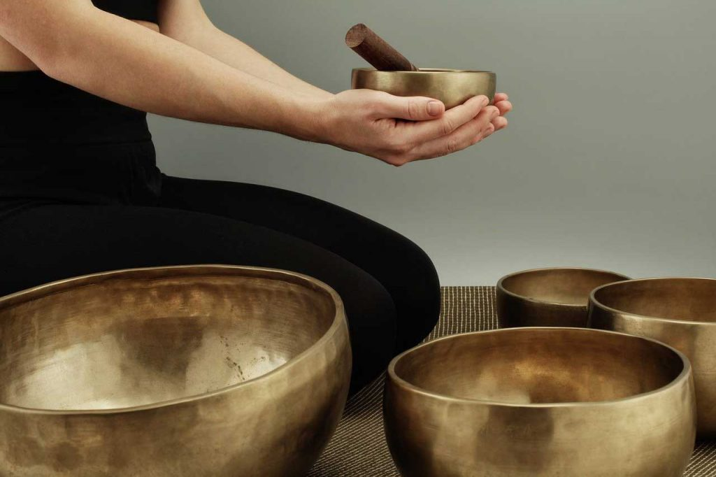 sound meditation, sound bath, singing bowl