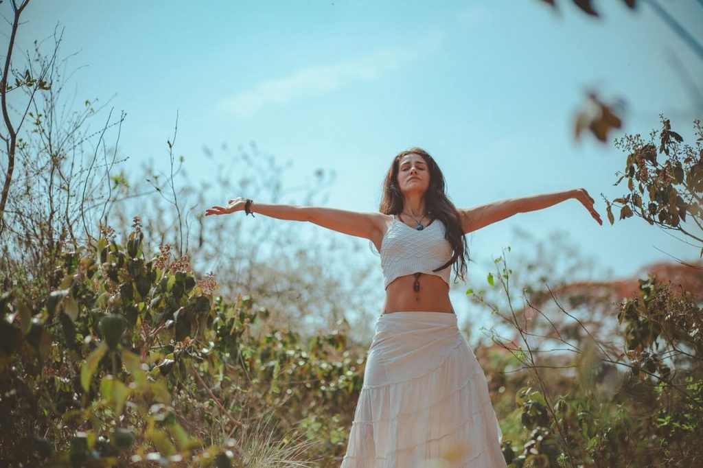 how to apply law of attraction in yourlife, be positive